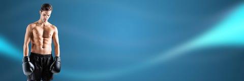 Boksera myśliwski mężczyzna z błękitem wyginał się energetycznego tło Obraz Stock