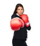 Bokserski biznesowej kobiety uderzać pięścią zdjęcia royalty free