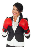 bokserskich biznesowych rękawiczek szczęśliwa kobieta Obrazy Stock