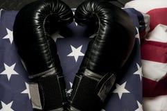 Bokserskie rękawiczki na USA flaga Zdjęcia Stock