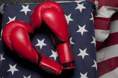 Bokserskie rękawiczki na USA flaga Obrazy Royalty Free