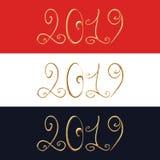 bokstäver 3d av 2019 Uppsättning av tre hand isolerad dragen text 2019 för kalligrafi för borsteslaglängd guld- royaltyfri illustrationer