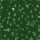 Bokstavsteckning på en svart tavla Alfabetvektor Nummer och text Sömlös modellbakgrundsskola Fotografering för Bildbyråer