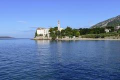 Bol, Croacia, playa en el monasterio dominicano viejo, Bol, isla de Brac, Croacia Fotografía de archivo libre de regalías