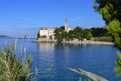 Bol, Croacia, playa en el monasterio dominicano viejo, Bol, isla de Brac, Croacia Fotos de archivo