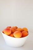 Bol d'abricots Photographie stock libre de droits
