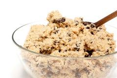 Bol de la pâte de biscuit photographie stock libre de droits