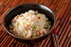 Bol de riz de friture de Stir de crevette photo libre de droits
