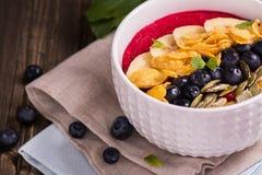 Bol de smoothie de petit déjeuner Images libres de droits