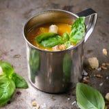Bol de soupe à carotte Photo libre de droits