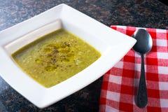Bol de soupe aux fèves vert Image libre de droits