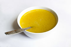 Bol de soupe sur le blanc Photographie stock