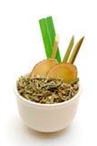 Bol de thé de fines herbes asiatique Photos libres de droits