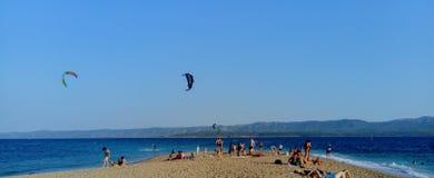 Bol, isola di Brac, Croazia, Dalmazia Capo dorato del ratto di Zlatni della spiaggia fotografie stock libere da diritti