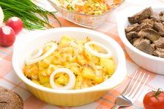 Bol servi de pommes de terre braisées Photo stock