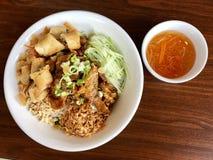 Bol vietnamien de nouille de riz de plat photos libres de droits