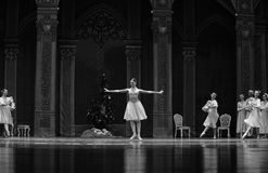 A bola antes do início da quebra-nozes do bailado de Clara- foto de stock royalty free