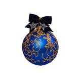 Bola azul de la Navidad aislada en Año Nuevo del fondo blanco Fotografía de archivo