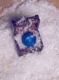Bola azul de la Navidad del brillo Imagen de archivo