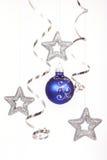 Bola azul do Natal Fotografia de Stock Royalty Free