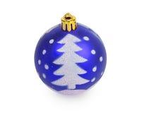 Bola azul do Natal com a árvore de Natal pintada Imagens de Stock Royalty Free