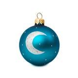 Bola azul do Natal isolada no ano novo do fundo branco Foto de Stock Royalty Free