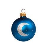 Bola azul do Natal isolada no ano novo do fundo branco Imagens de Stock