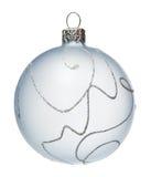 Bola blanca del árbol de navidad, aislada Imagen de archivo