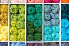 Bola colorida de lanas Fotografía de archivo