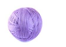 Bola colorida de lanas finas imagen de archivo