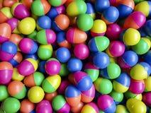 bola colorida del huevo para el juego afortunado del drenaje Imagen de archivo