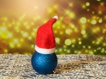 Bola con los casquillos, fondo chispeante hermoso, Año Nuevo 2018 de la Navidad Imagen de archivo