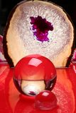 Bola cristalina abstracta roja Imagen de archivo libre de regalías