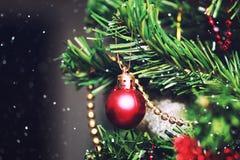 Bola da árvore do ano novo Imagens de Stock