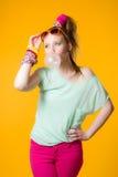 Bola da menina e de pastilha elástica Fotos de Stock Royalty Free
