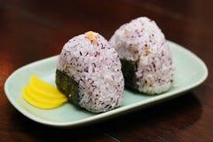 Bola de arroz japonesa fotografía de archivo libre de regalías