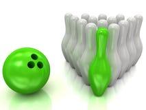 Bola de bowling y bolos Imagenes de archivo