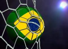 Bola de Brasil na rede do objetivo Fotografia de Stock Royalty Free