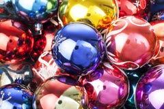 Bola de cristal real de la textura de la bola de la chuchería de la Navidad Las bolas de las chucherías de la Navidad, celebran d Fotografía de archivo