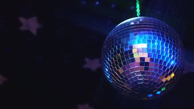 Bola de discoteca chispeante almacen de metraje de vídeo