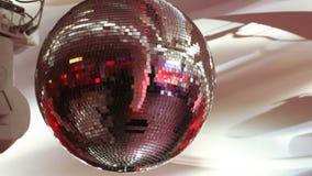Bola de discoteca en banquete almacen de video