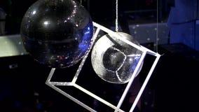 Bola de discoteca y cubo del disco metrajes