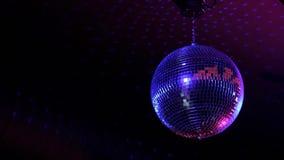 Bola de espejo del club nocturno almacen de video