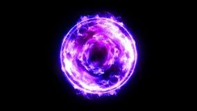 Bola de fuego del plasma con las llamas en fondo negro Luz hermosa Líneas del resplandor en la forma de esfera Animaci?n del lazo almacen de metraje de vídeo