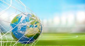 Bola de futebol do globo da terra na rede do futebol objetivo 3D-Illustration Ele Imagem de Stock