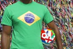 Bola de futebol internacional brasileira Salvador do jogador de futebol Fotos de Stock Royalty Free