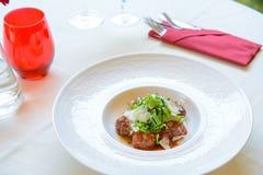 Bola de la carne de vaca con la salsa Imagen de archivo