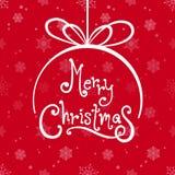 Bola de la Feliz Navidad con el fondo rojo del copo de nieve Foto de archivo libre de regalías