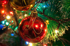 Bola de la Navidad Árbol de navidad Fotos de archivo