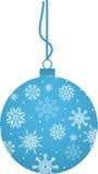 Bola de la Navidad con los copos de nieve Foto de archivo